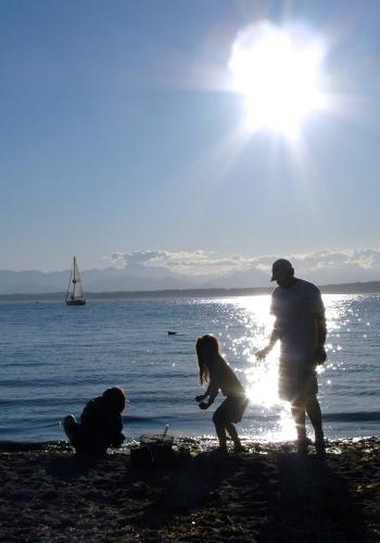 SHIFA_Insert_Family on Beach
